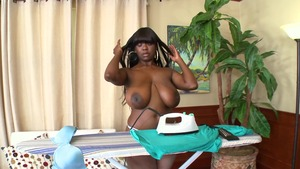 BigNaturals.com - Chimille Morgan is really natural mature