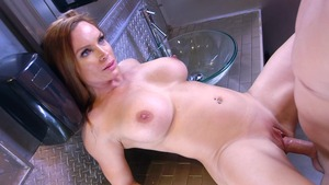 MommyGotBoobs: Athletic Diamond Foxxx squirt