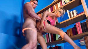 Big Tits at School - Courtney Taylor is a muscled blonde