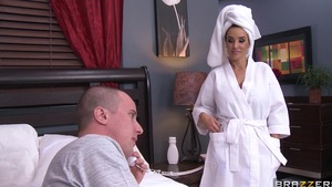 Brazzers: Shaved pussy Lisa Ann ass licking video