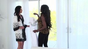 Hot & Mean: Fingering with India Summer & Diamond Jackson