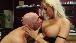 Baby Got Boobs: Facial with inked Brooke Fox and Johnny Sins