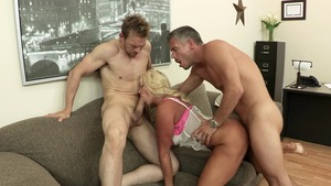 Big Tits at Work: Nude american MILF really enjoys blowjobs HD
