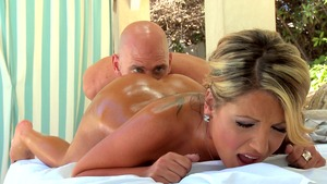Dirty Masseur - Blonde haired Holly Tyler massage