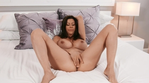 Day With a Pornstar: Alexis Fawx ass licking in the bed