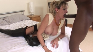LadySonia: Mature Lady Sonia handjob video